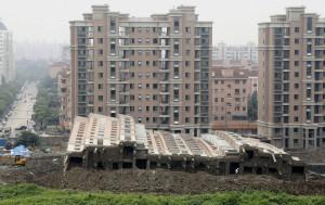 Emeletes haz Kina